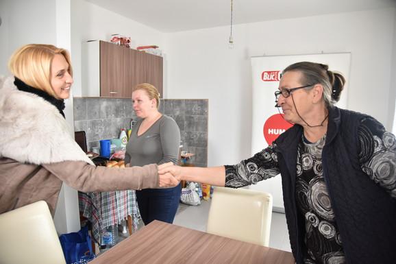 Direktorka Ringier Axel Springera Jelena Drakulić Petrović sa porodicom Maksimović