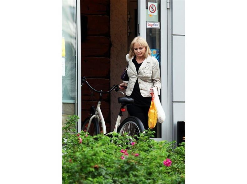 Mają rower, można załadować na niego zrobione zakupy.