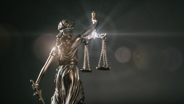 Ubezpieczyciel nie może odmówić wypłaty jedynie z tego powodu, że ubezpieczony zadeklarował posiadanie dwóch kompletów kluczy, a w rzeczywistości miał tylko jeden – uznał Sąd Apelacyjny w Warszawie.