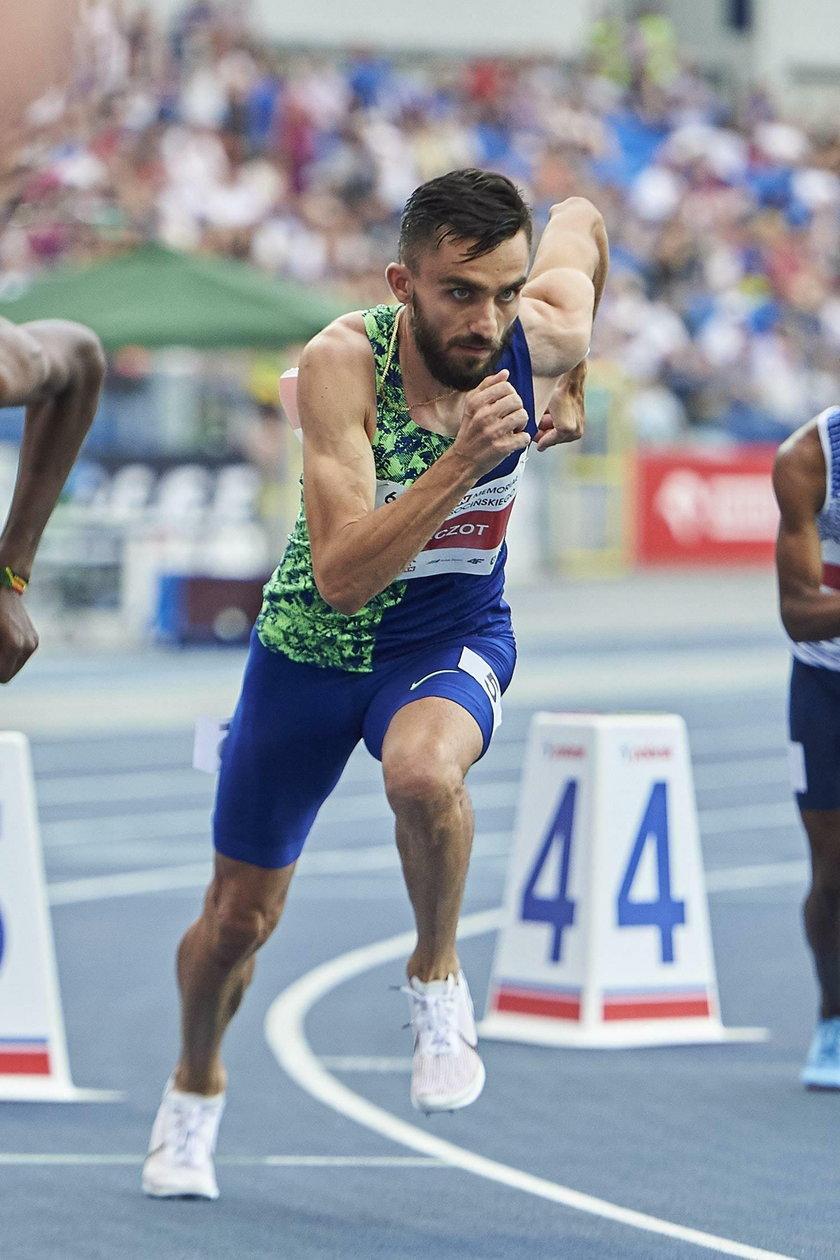 Zgodnie z nowymi przepisami polski biegacz najbliższe 14 dni spędzi w domowej kwarantannie.