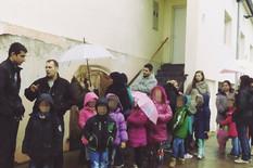 681876_beocin-selo-ne-pustaju-decu-u-skolu-foto-hana-dundjerov