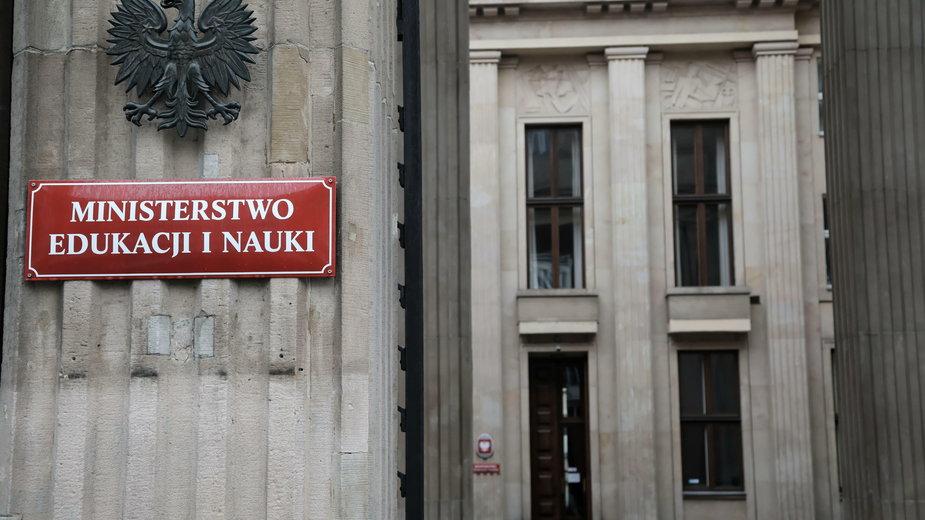 Budynek MEN w Alei Szucha w Warszawie