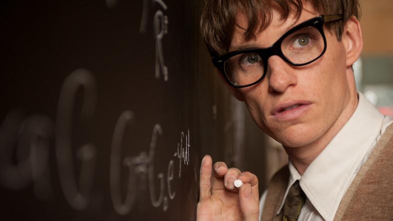 """Eddie Redmayne jako Stephen Hawking w filmie """"Teoria wszystkiego"""""""