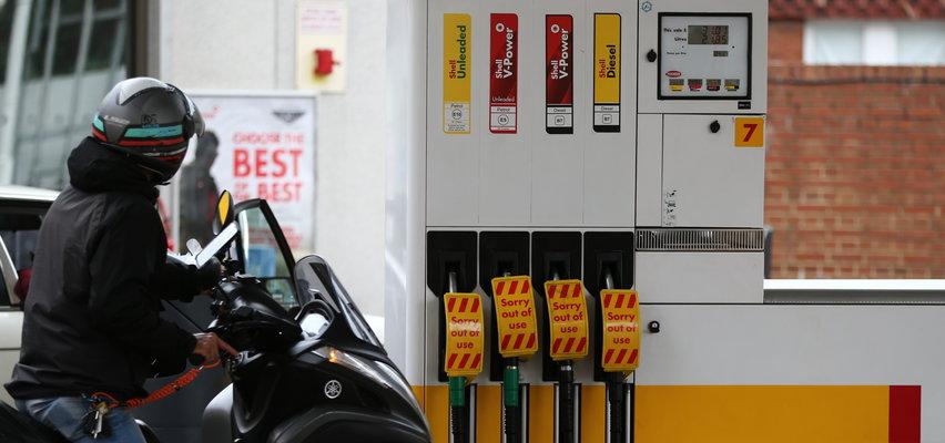 Panika na stacjach paliw! Nie uwierzysz, co robi ta kobieta