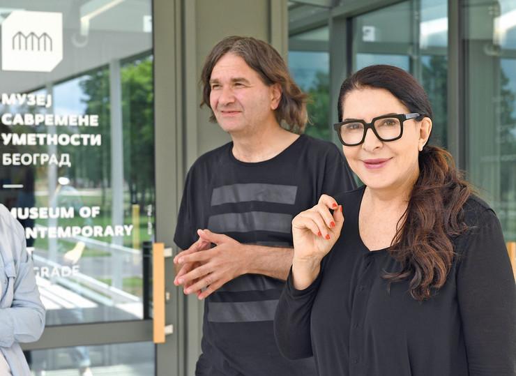Kustos Dejan Sretenović i Marina Abramović u Muzeju savremene umetnosti