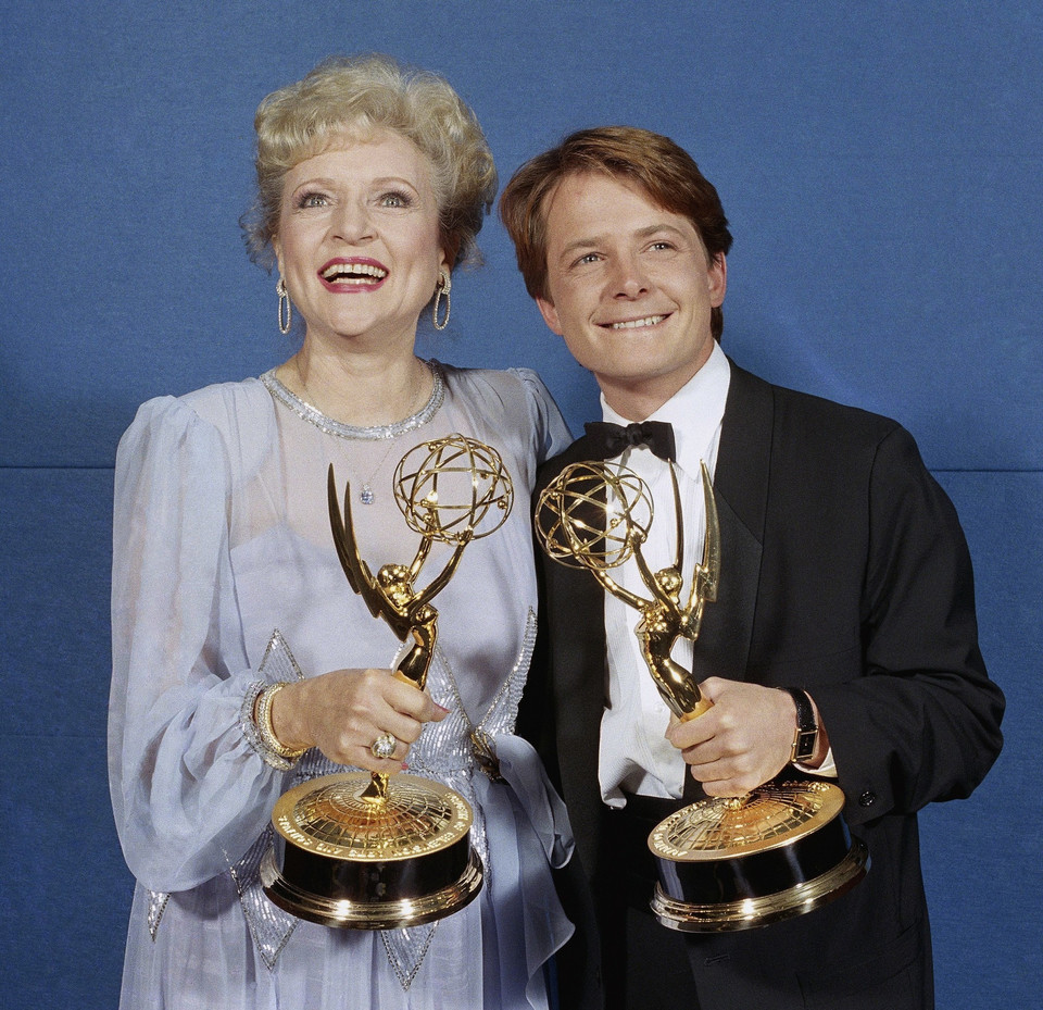 Michael J. Fox i Betty White - zwycięzcy Emmy's w 1986 r.