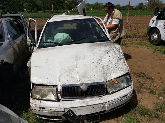 Automobil u udesu smrskan /foto: Branimir Bradarić