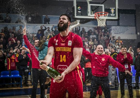 Slavlje Bojana Dubljevića posle plasmana na Mundobasket