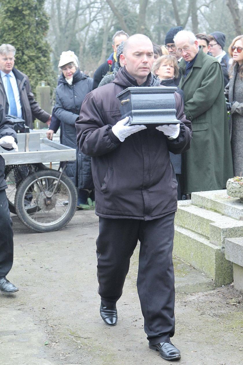 Pogrzeb Bohdana Tomaszewskiego. Zobacz kto pożegnał na pogrzebie legendę polskiego dziennikarstwa!