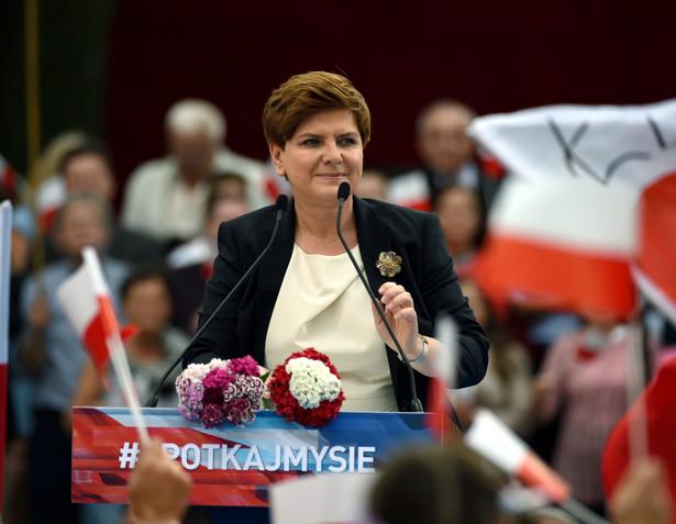 Beata Szydło podczas wiecu wyborczego w Bełchatowie