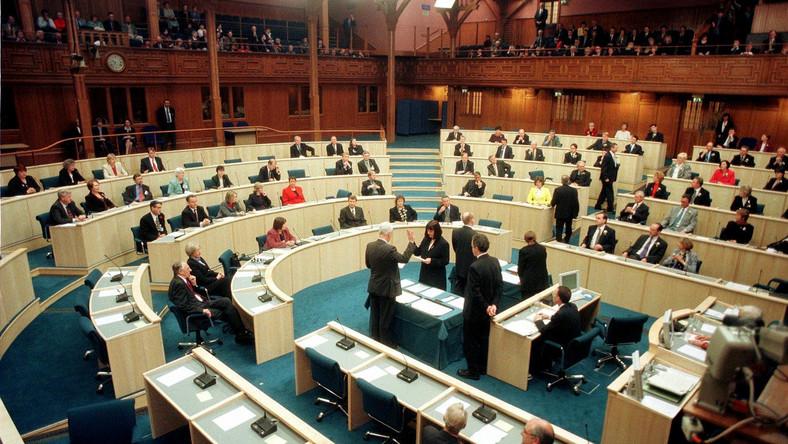 posiedzenie szkockiego parlamentu