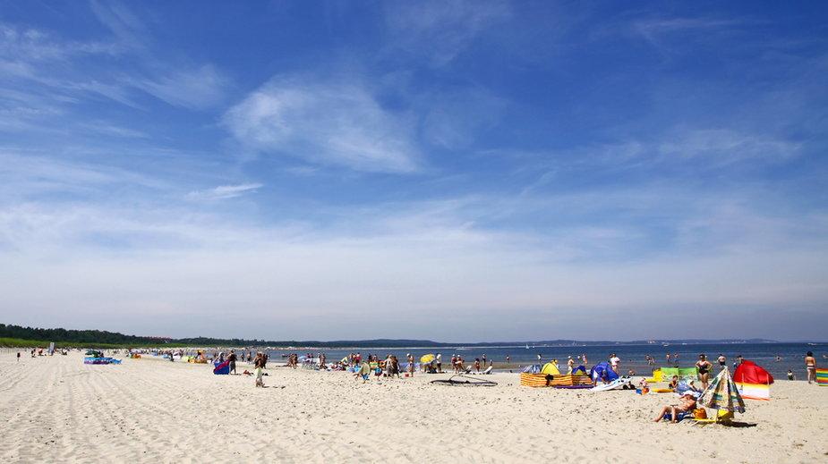 Świnoujście: Niemiec wjechał autem na plażę i poszedł się kąpać