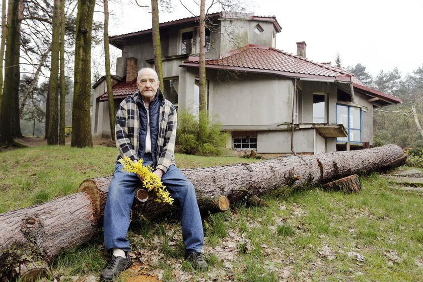 Krytsian Broll w swoim domu krótko cieszył się wolnością