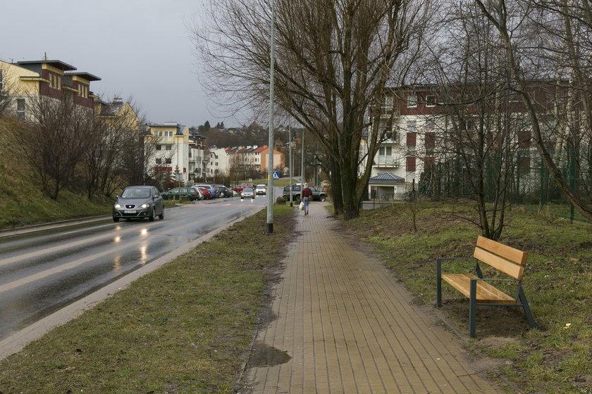 Ławeczka przy ul. Piekarniczej w Gdańsku