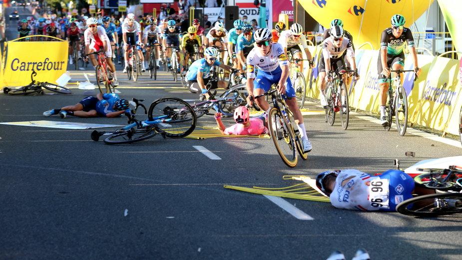 Kraksa w Katowicach na Tour de Pologne