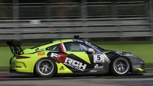 Robert Kubica w polskich barwach w Porsche 911 GT3 R