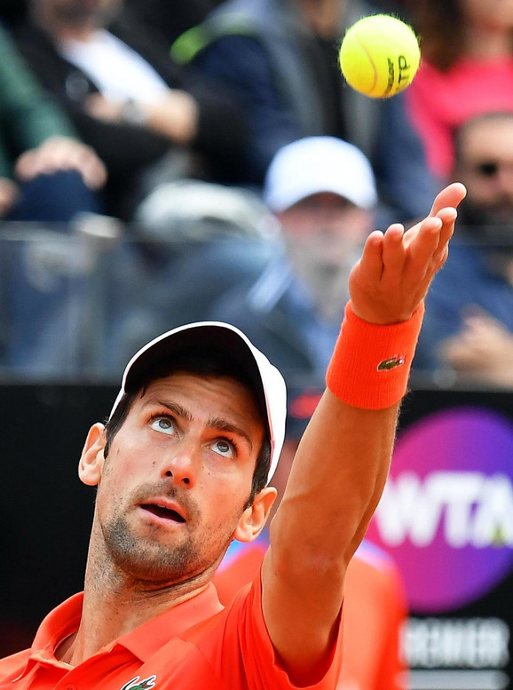 Novak Đoković tokom finala u Rimu protiv Rafaela Nadala