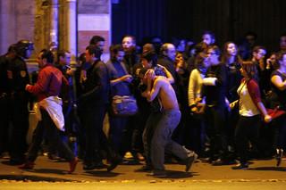 Paryż: Panika na Placu Republiki. Przyczyną petardy?