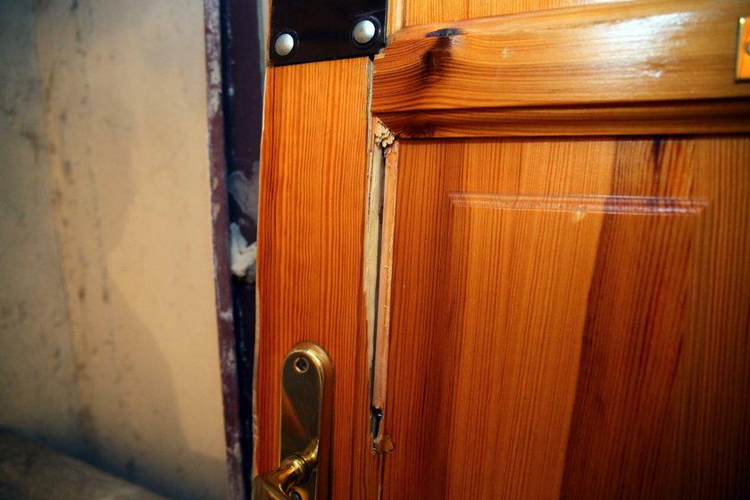 Policjanci wyważyli drzwi przez fałszywy donos