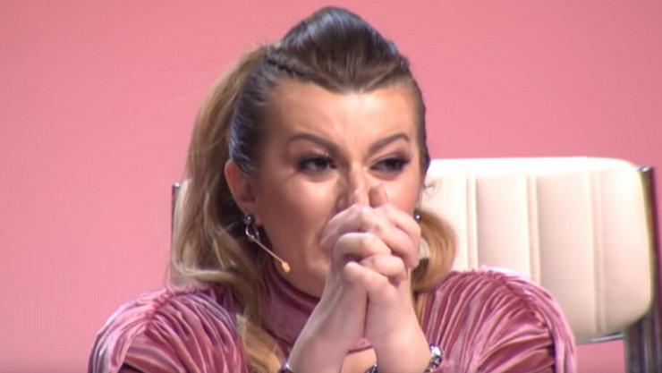 "VIKI U SUZAMA NAPUSTILA STUDIO Haos na snimanju ""Zvezda Granda"", emisija prekinuta"