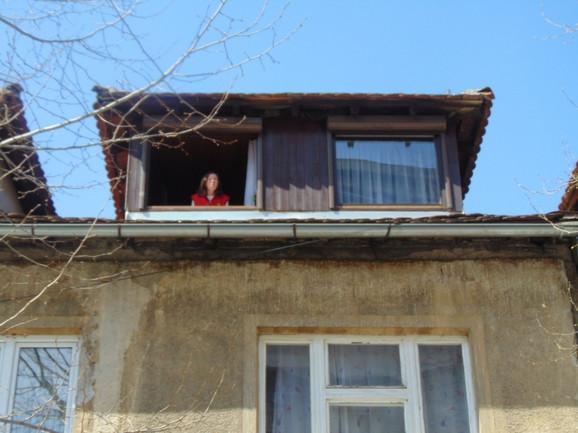 """Vazduh se """"uzima"""" samo sa prozora, na ulicama nema nikoga"""