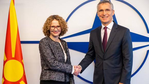MAKEDONIJA DANAS PRVI PUT 'ZA STOLOM NATO-a'! Ministrica poručila: Ponosni smo, inspiracija nam je bila Crna Gora