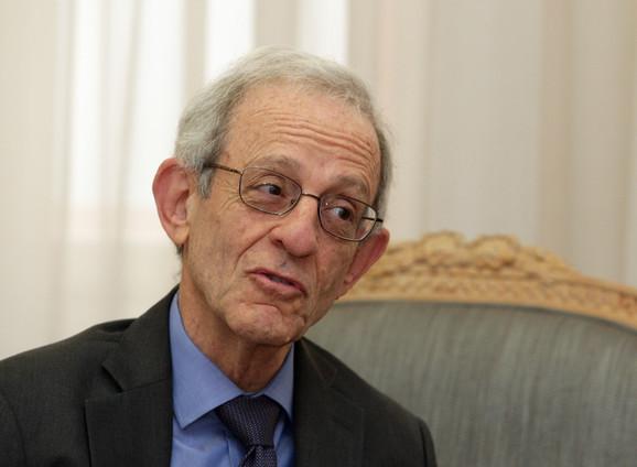 Profesor Danijel Server