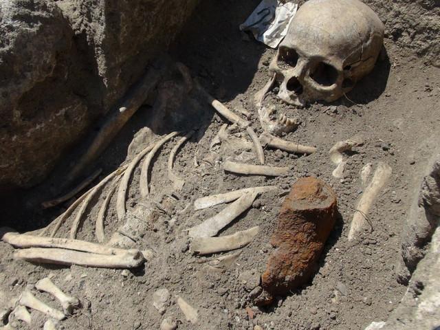 """Vampir iz Sozopola"": Skelet otkriven u Bugarskoj sa gvozdenom šipkom u grudnom košu"