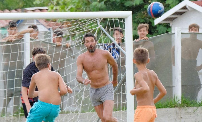 Włoski bramkarz spędza wakacje w rodzimym kraju