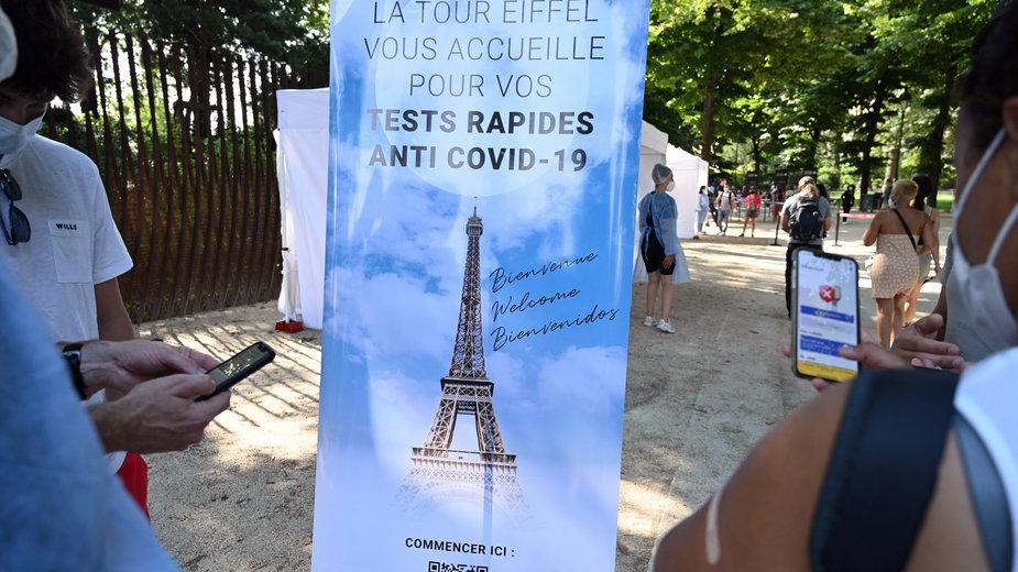 Francja: wzrost liczby pacjentów z COVID-19 w szpitalach