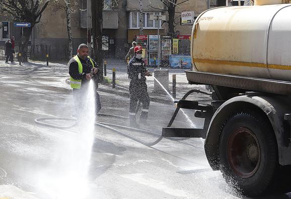 Smederevo, lepo vreme, dezinfekcija ulica
