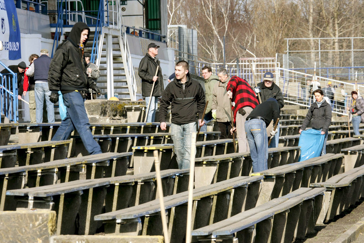Navijači na stadionu Lokomotive iz Lajpciga davne 2007. godine