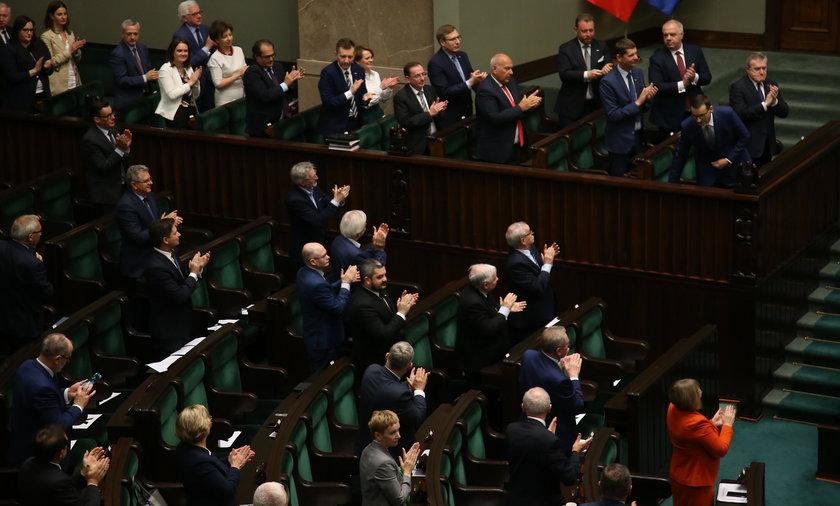 Na zdjęciu: Sejm podczas nocnego posiedzenia w czwartek 4 czerwca 2020