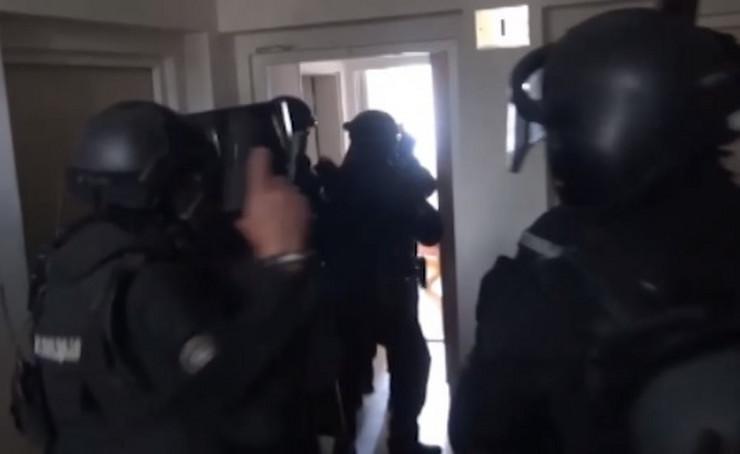 Policija akcija hapšenje škaljarac prtscn MUP