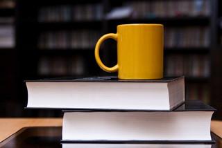 Przeciw ustawie o stałej cenie książki