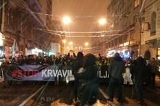 """""""MI SMO NAROD SRBIJE KOJI KAŽE: NEĆEMO OTIĆI TIHO U NOĆ"""" Održan protest """"Stop krvavim košuljama"""", okupljeni vikali: """"Barbara, javi se!"""""""