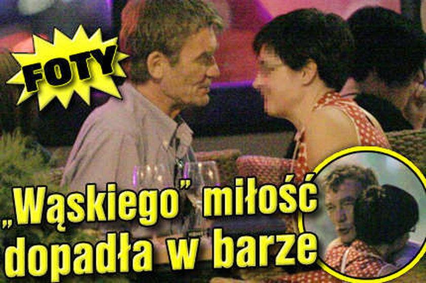 Wąskiego miłość dopadła w barze!