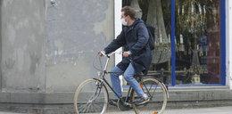 Znany polski aktor złamał przepisy w maseczce. Kto to? ZDJĘCIA