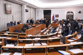 Senat rozpatrzy w piątek część zaplanowanych punktów i przeprowadzi głosowania