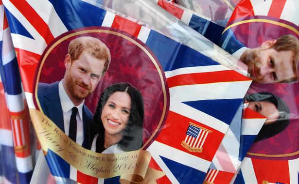 Na ślubie Meghan i Harry'ego nie będzie czołowych brytyjskich polityków ani prezydenta USA. Zaproszenia dostało natomiast 2,6 tys. zwykłych ludzi. Co prawda nie pojawią się w kaplicy, która mieści jedynie 800 osób, ale będą uczestniczyć w ceremonii w ogrodach otaczających zamek.