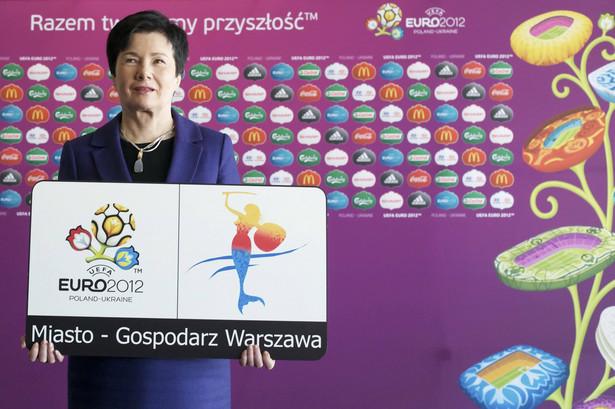 Gronkiewicz-Waltz prezentuje logotyp Warszawy na Euro2012