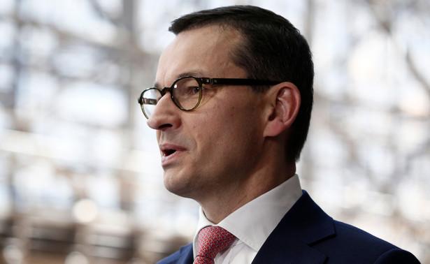 Projekt budżetu na 2020 r., przyjęty we wtorek przez rząd nie zakłada deficytu, dochody i wydatki mają wynieść po 429,5 mld zł - poinformował we wtorek premier Mateusz Morawiecki.