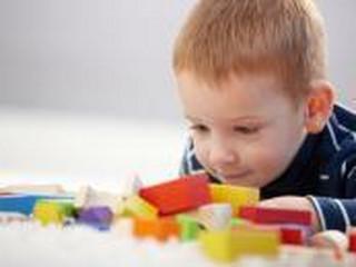 Dzieci mamy mniej, ale kupujemy im coraz więcej zabawek
