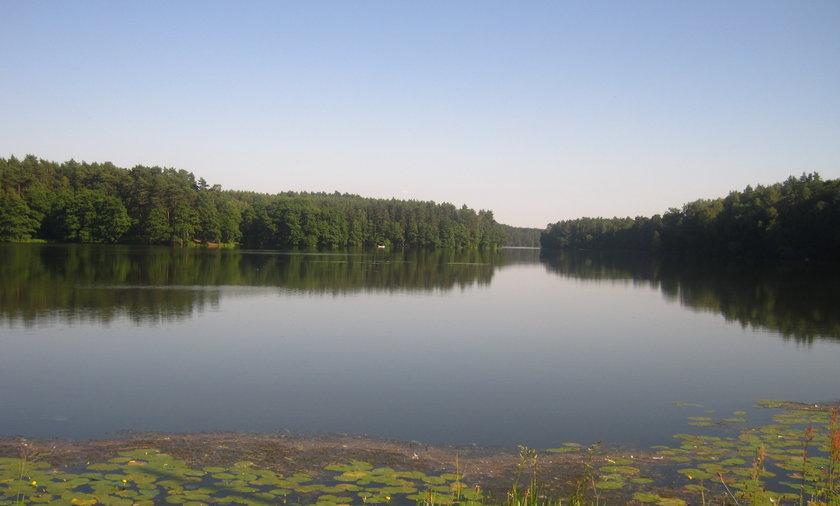 Poszukiwania na jeziorze w Krzyni.