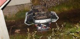 Samochód spadł do potoku. 30-latek zginął na miejscu