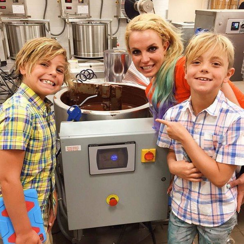 Britney Spears z Jaydenem Jamesem i Seanem Prestonem