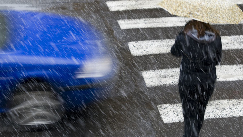 Uwaga na porywisty wiatr i deszcz ze śniegiem!