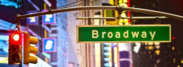 Broadway - ulica w Nowym Jorku, w dzielnicy Manhattan. W jej środkowej części (w regionie Times Square) mieszczą się liczne teatry (rozrywkowe i musicalowe) stanowiące centrum teatralne USA, przyciągające wielu turystów z całego świata. Jest to także jedna z głównych ulic dzielnicy Manhattanu i jedno z najbardziej rozpoznawalnych miejsc Nowego Jorku i Stanów Zjednoczonych.