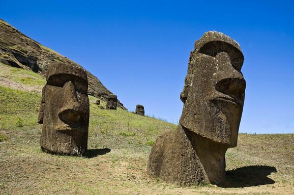 Moai figure