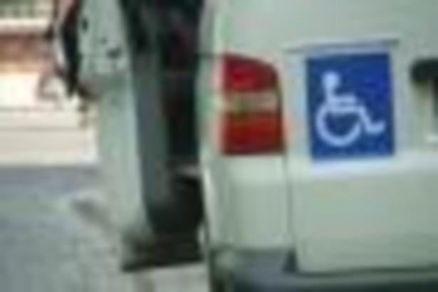 Dotychczas spośród 27 tys. niepełnosprawnych, którzy od początku tego roku do maja ubiegali się o rejestrację w PFRON, zaledwie 4,5 tys. otrzymuje refundację składek wpłaconych już do ZUS.